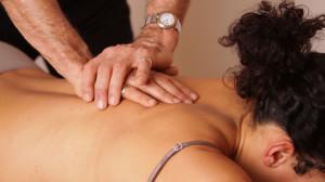 Массаж грудного остеохондроза